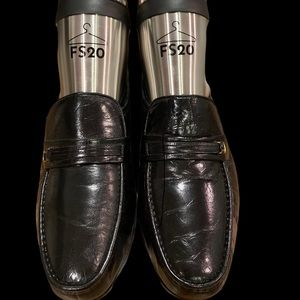 NWOT BOSTONIAN BLACK LEATHER LOAFERS 9.5